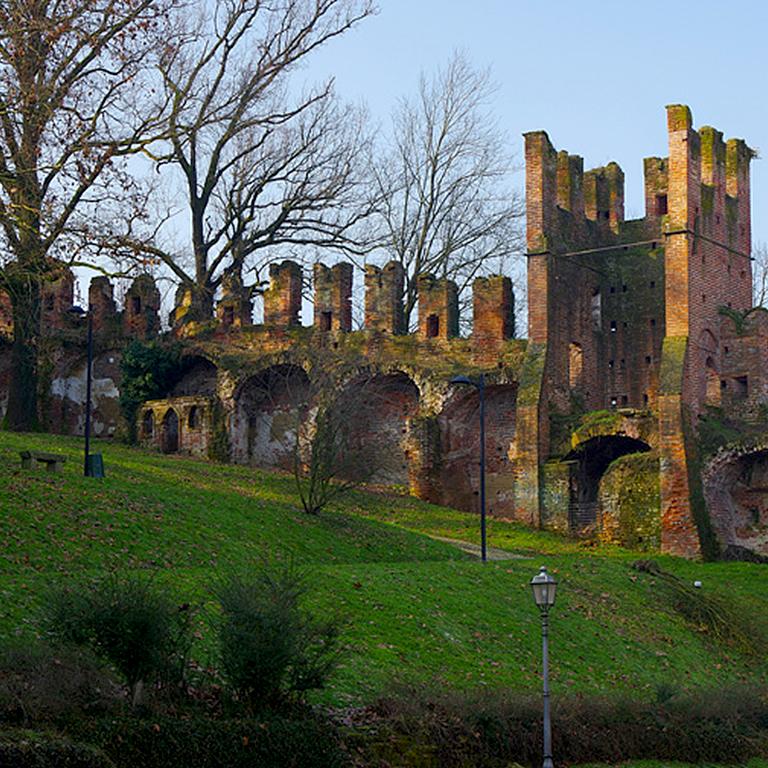 Castello e parco San Colombano al Lambro